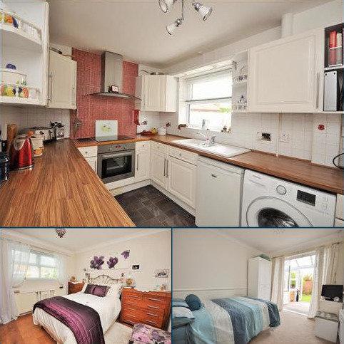 2 bedroom detached bungalow for sale - Angram Close, York, YO30 5ZN