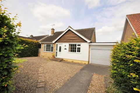 2 bedroom detached bungalow for sale - Meadlands, York YO31 0NU