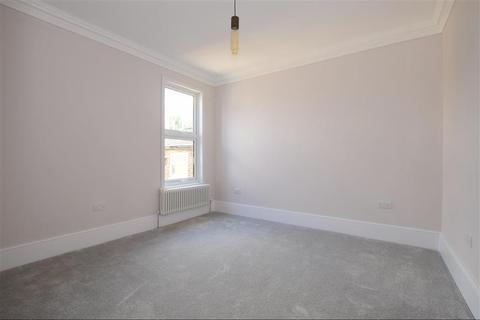 2 bedroom flat for sale - Bulwer Road, Upper Leytonstone