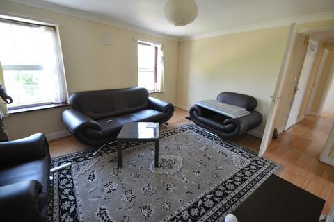 3 bedroom flat to rent - Well Street, Hackney, London E9