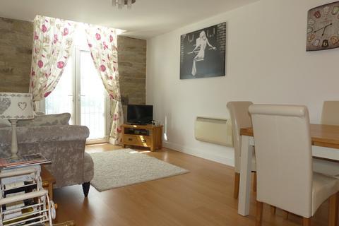 2 bedroom apartment for sale - Westbury Street, Elland, West Yorkshire. HX5 9AG