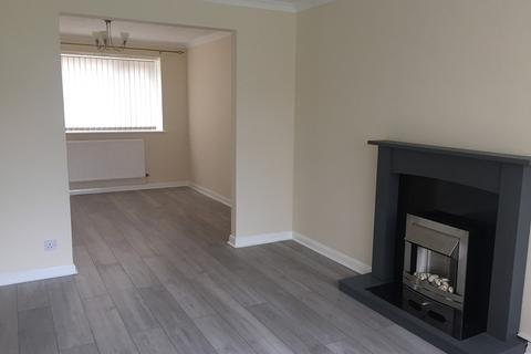 3 bedroom semi-detached house to rent - Cobham Drive, Cimla, Neath, Neath Port Talbot.