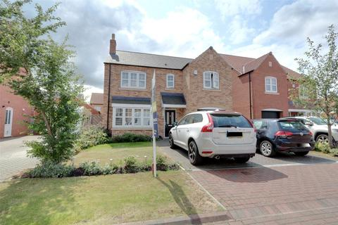 4 bedroom detached house for sale - Farrier Close, Kingswood, Hull, East Yorkshire, HU7
