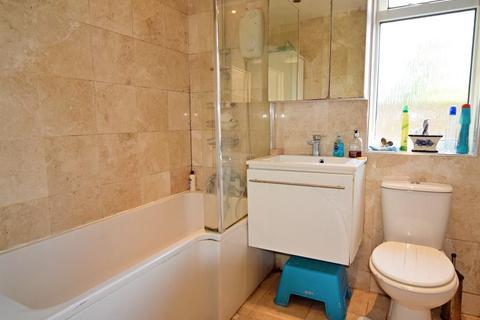1 bedroom house share to rent - Bisley Close, Worcester Park, KT4