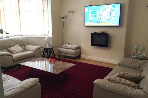 4 bedroom house to rent - Galpins Road , Thornton Heath CR7