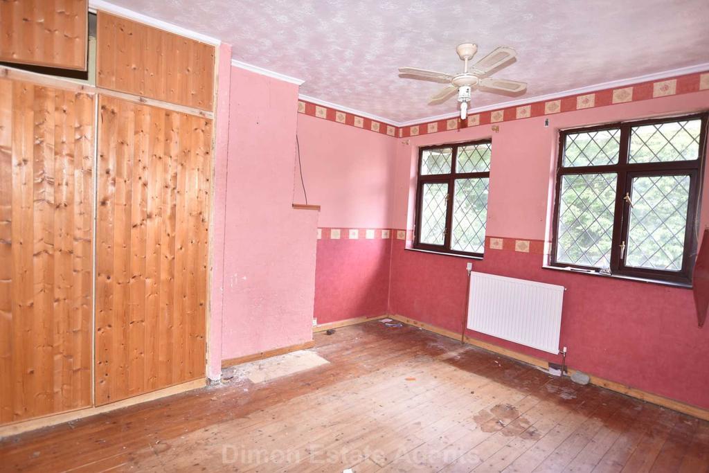 Tukes Avenue Bridgemary 3 Bed Semi Detached House For