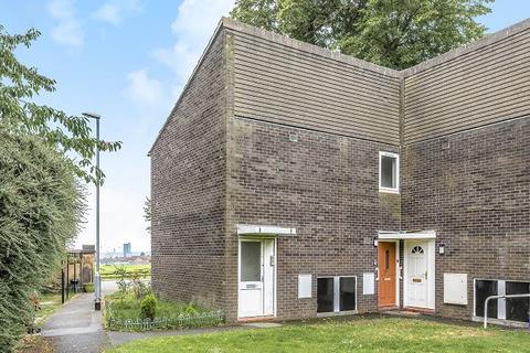 1 bedroom flat for sale - Potternewton Court, Leeds, LS7 3RN