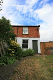 2 bedroom semi-detached house to rent - Russell Street, Stony Stratford, Milton Keynes MK11
