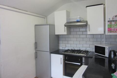 6 bedroom terraced house to rent - King Edward Road, Brynmill, Swansea. SA1 4LH