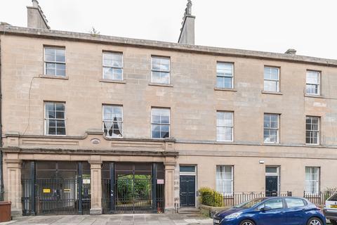 3 bedroom flat to rent - Madeira Street, Edinburgh EH6