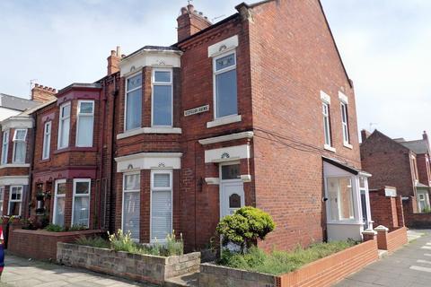 2 bedroom flat for sale - Vespasian Avenue, Lawe Top, South Shields, Tyne and Wear, NE33 2EL