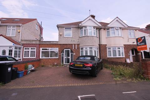 4 bedroom semi-detached house for sale -  Cambridge Close,  Hounslow, TW4