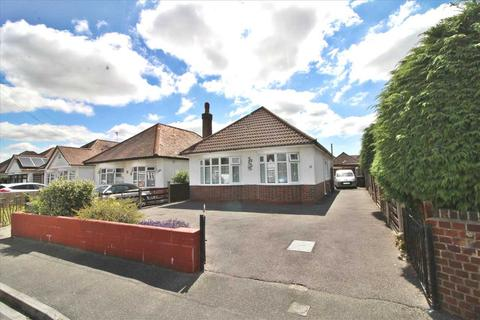 3 bedroom detached bungalow for sale - Hoxley Road, Bournemouth