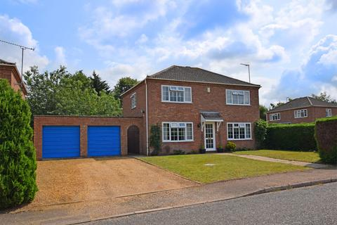 4 bedroom detached house for sale - Felbrigg Close, South Wootton