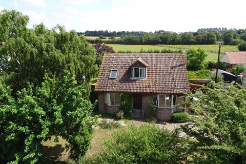 4 bedroom detached bungalow for sale - Creeting St Mary, Suffolk
