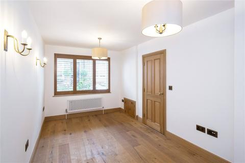 3 bedroom mews to rent - Albion Close, London