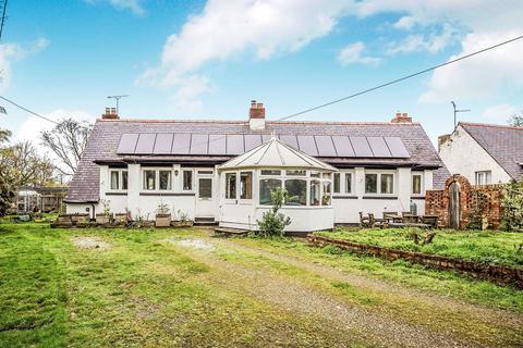 4 bedroom detached bungalow for sale - Terfyn, Bodelwyddan