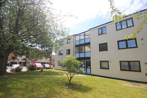 2 bedroom apartment to rent - Cumberland Park Gardens, Devonport