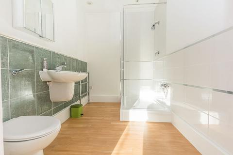 3 bedroom ground floor flat to rent - St James Place George Road