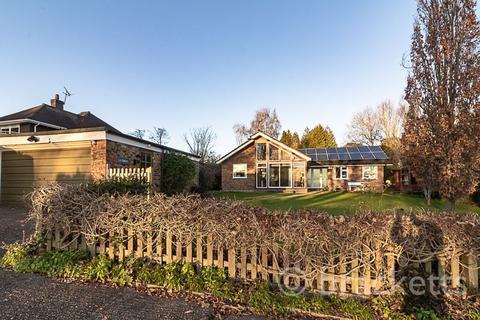 4 bedroom detached bungalow for sale - Corseley Road, Groombridge, Tunbridge Wells