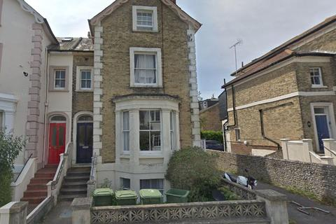 Studio to rent - Grafton Road, Worthing