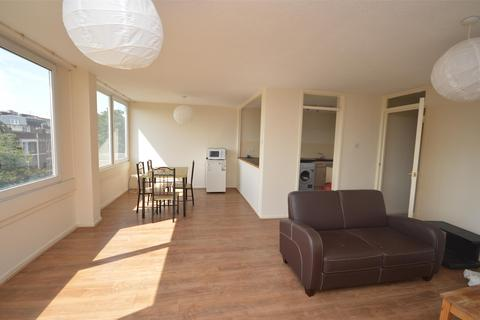3 bedroom flat to rent - High Kingsdown, St Michaels Hill, Kingsdown, Bristol, BS2