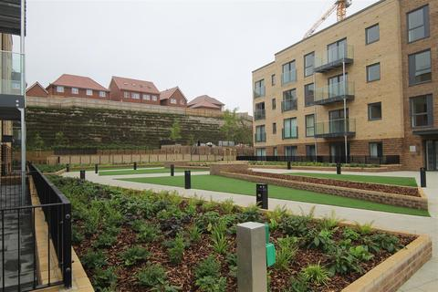 2 bedroom flat for sale - Griffin Court, Stirling Drive, Saxon square, Luton