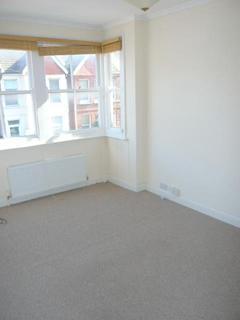 1 bedroom flat to rent - st leonards avenue