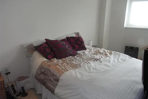 1 bedroom flat to rent - 48 Meridian TowerSwansea