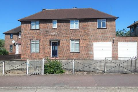 3 bedroom semi-detached house to rent - Langbrook Road, London