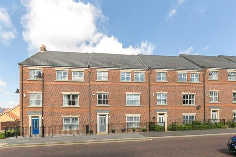 5 bedroom townhouse for sale - Featherstone Grove, Great Park, Newcastle upon Tyne