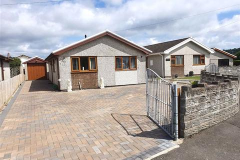 2 bedroom detached bungalow for sale - Salthouse Close, Crofty, Swansea