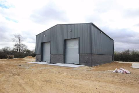 Industrial unit to rent - St Hughs Business Park, Camp Road, Lincoln, Lincolnshire