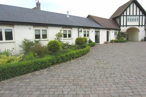 3 bedroom barn conversion to rent - Poplars Farm, Toddington