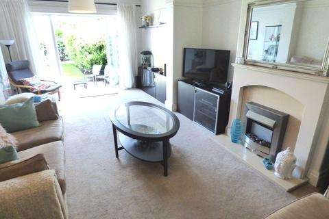 4 bedroom semi-detached house to rent - Stockport Rd, Timperley WA15 7LH.