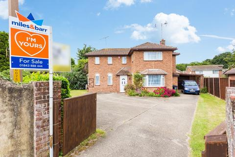 3 bedroom detached house for sale - Ramsgate Road, Broadstairs