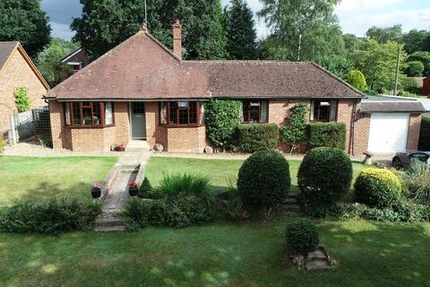 4 bedroom detached bungalow for sale - Curridge Road, Curridge, RG18