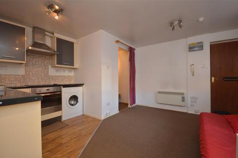 Studio to rent - Dawes Court, Cumberland Place, Hotwells, Bristol, BS8