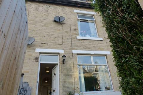 4 bedroom terraced house to rent - Hope View, Windhill, Shipley, West Yorkshire, BD18