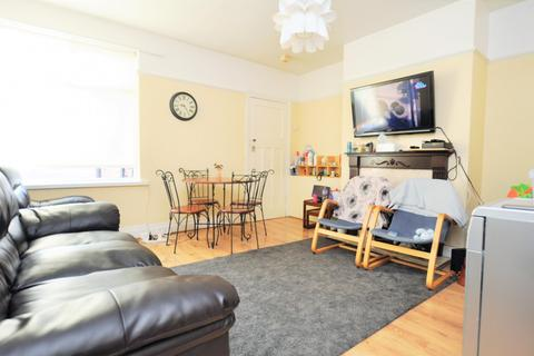 3 bedroom flat to rent - Chillingham Road, Heaton, Newcastle Upon Tyne