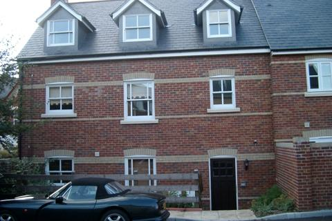 2 bedroom flat to rent - FLAT AT OLD COACH MEWS, PARR STREET, POOLE