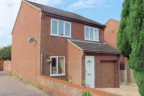 3 bedroom detached house for sale - Meadow Court, Fakenham NR21