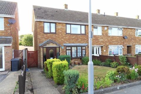 3 bedroom end of terrace house to rent - Landrace Road, Luton LU4