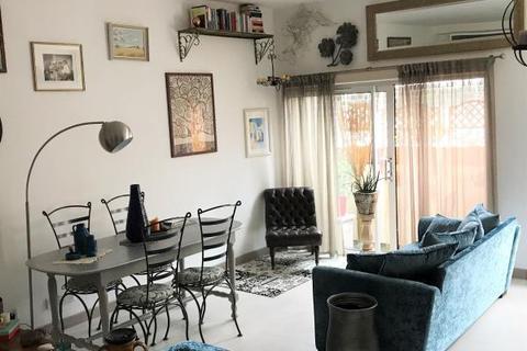 3 bedroom apartment to rent - MERCHANTS HOUSE, NORTH STREET, LEEDS, LS2 7PN