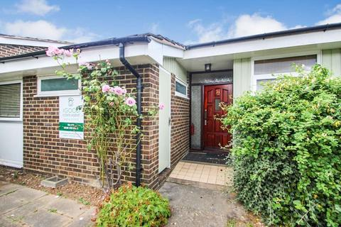 4 bedroom house share to rent - Ulcombe Gardens, Canterbury CT2