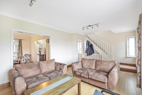 3 bedroom apartment to rent - Park Court, Park Road, Uxbridge UB8 1NL