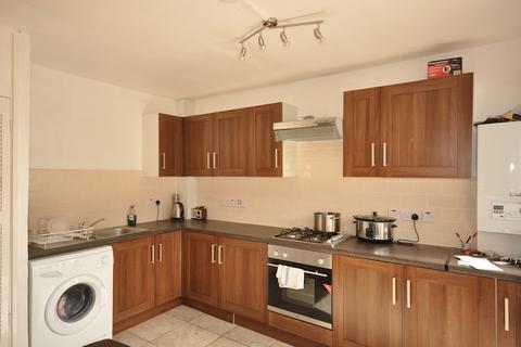 4 bedroom maisonette to rent - Lampeter Square, Hammersmith W6