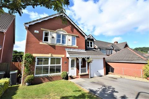 5 bedroom detached house for sale - Bassetts Field, Thornhill, Cardiff. CF14 9UG