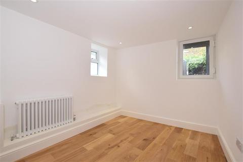 2 bedroom flat for sale - West Cliff Road, Ramsgate, Kent