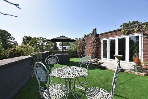 3 bedroom apartment to rent - Beaulieu, Leciester Road, Hale